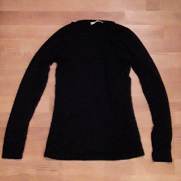 EUC black crew neck long sleeve